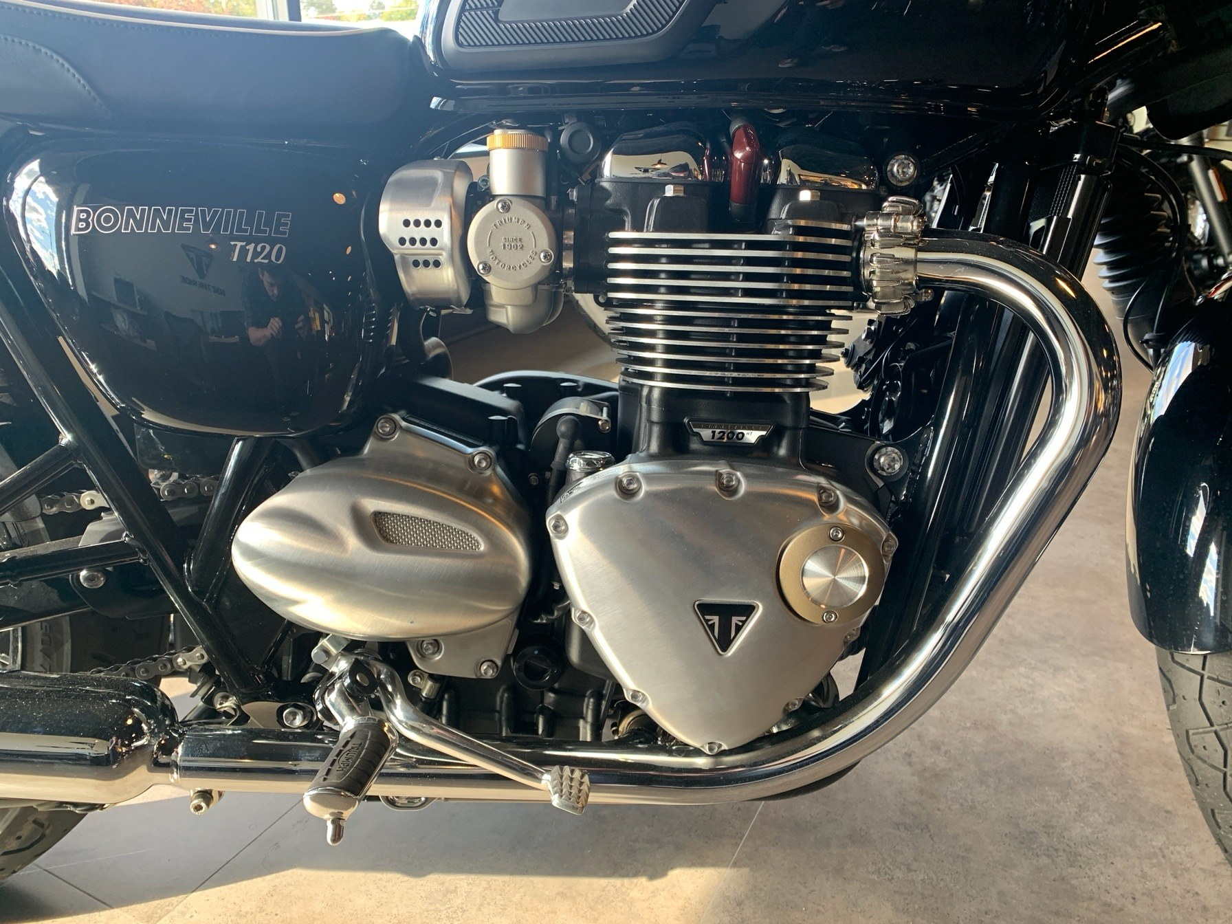 2019 Triumph Bonneville T120 in Shelby Township, Michigan - Photo 5
