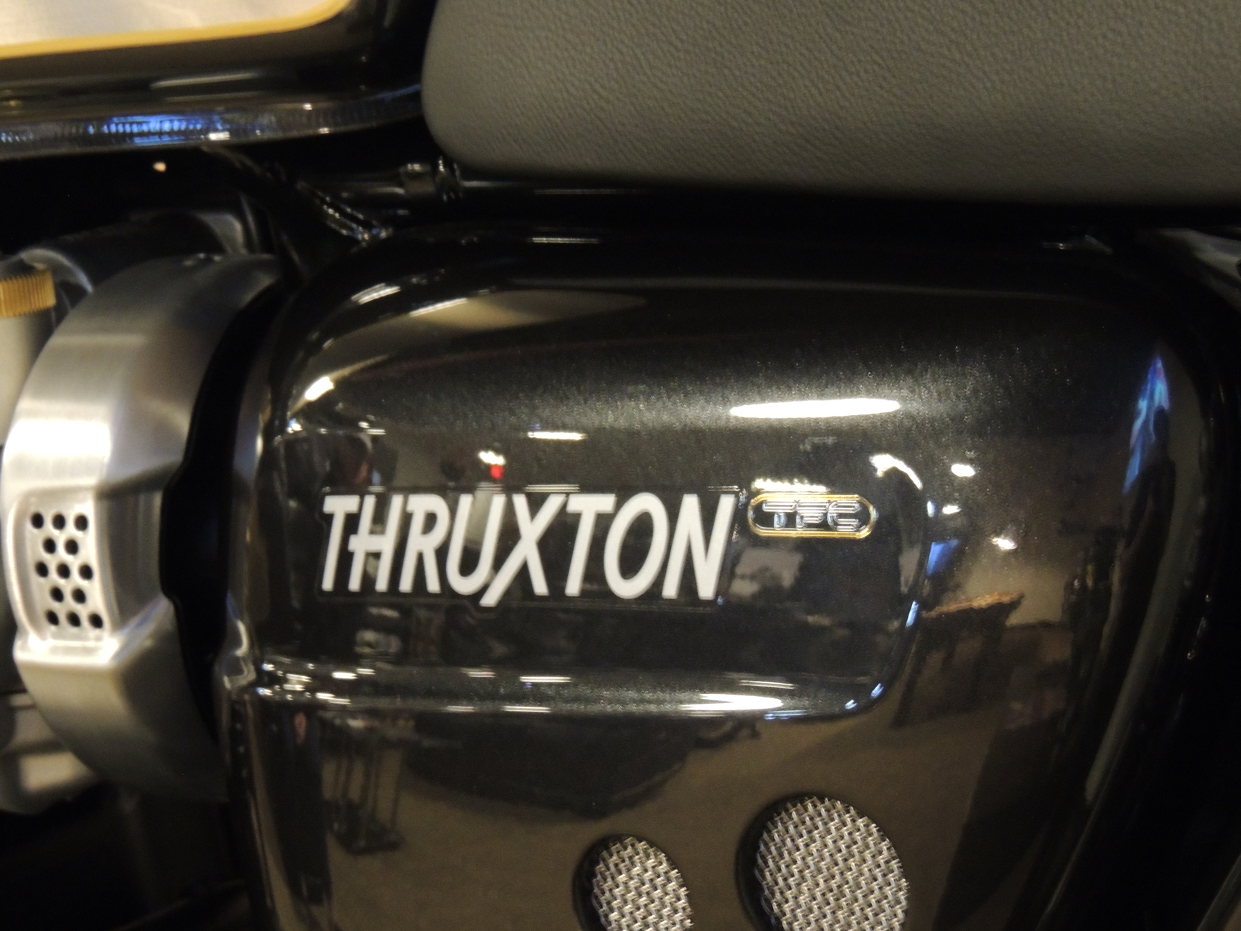 2020 Triumph Thruxton TFC in Shelby Township, Michigan - Photo 8