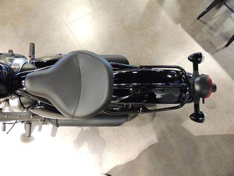 2019 Triumph Bonneville Bobber Black in Shelby Township, Michigan - Photo 6