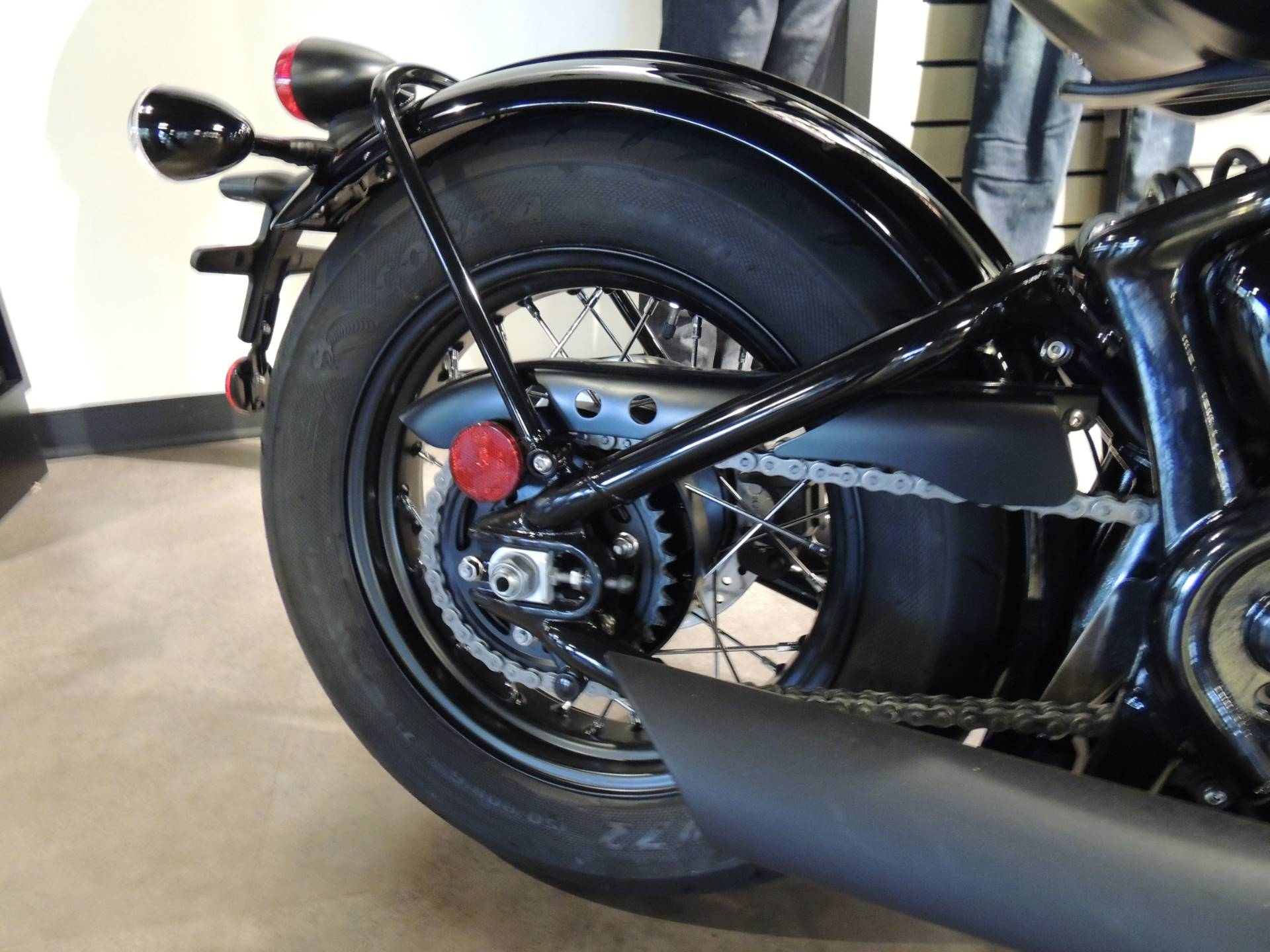 2019 Triumph Bonneville Bobber Black in Shelby Township, Michigan - Photo 10