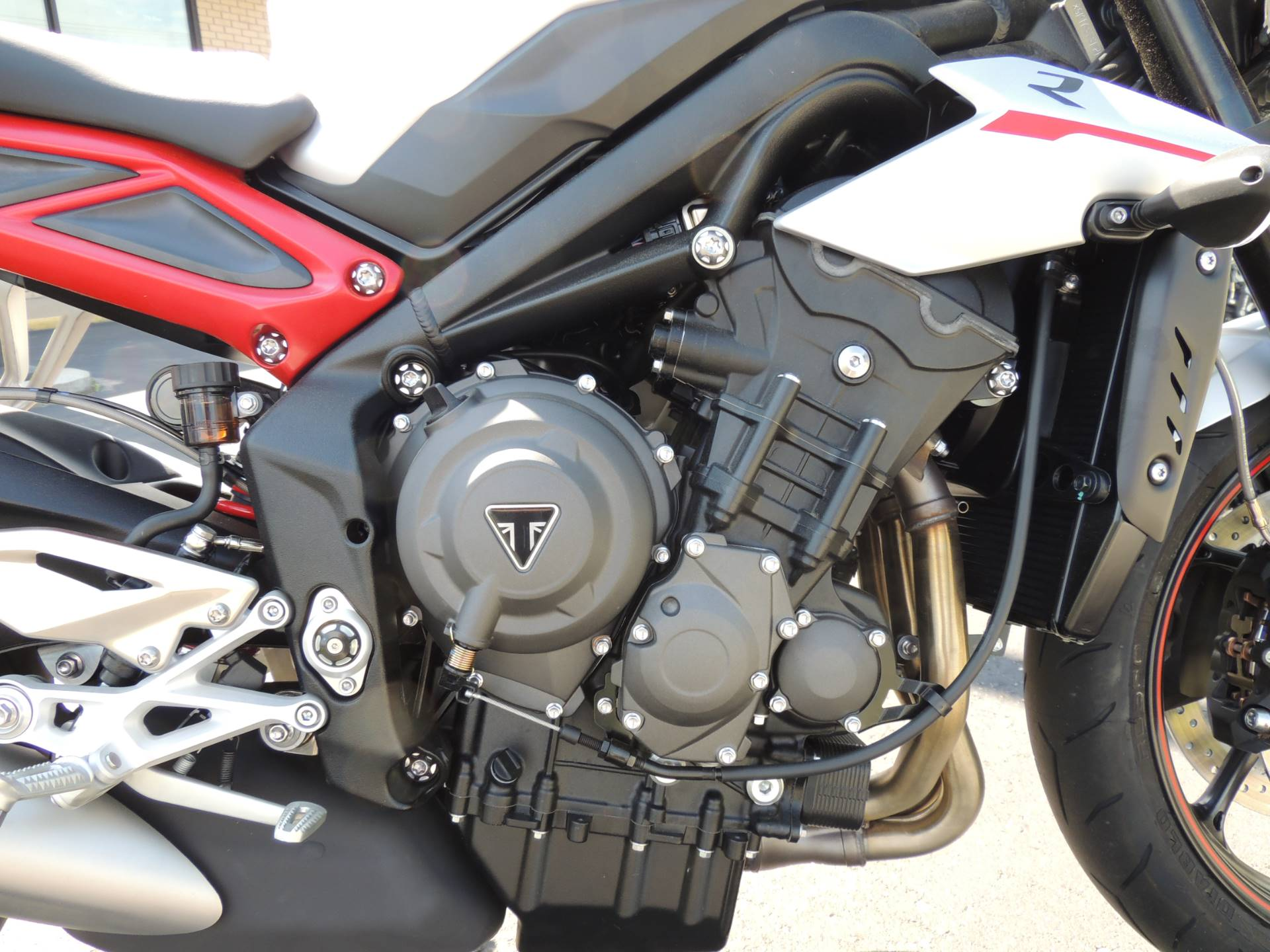 2019 Triumph Street Triple R LRH in Shelby Township, Michigan - Photo 4