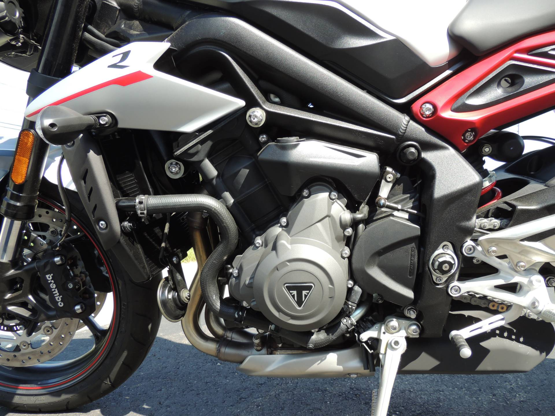2019 Triumph Street Triple R LRH in Shelby Township, Michigan - Photo 5