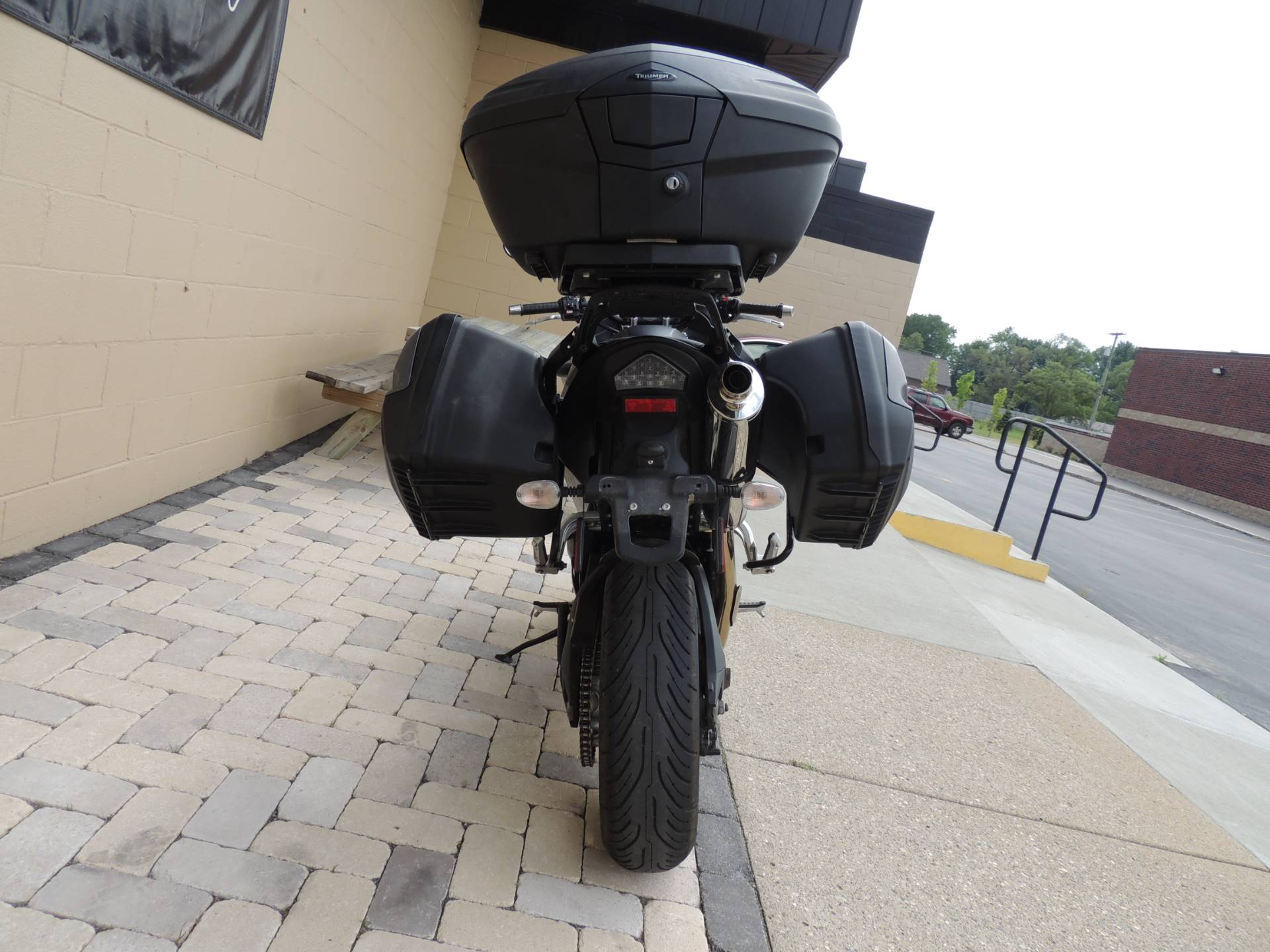 2011 Triumph Tiger 1050 ABS SE in Shelby Township, Michigan - Photo 8