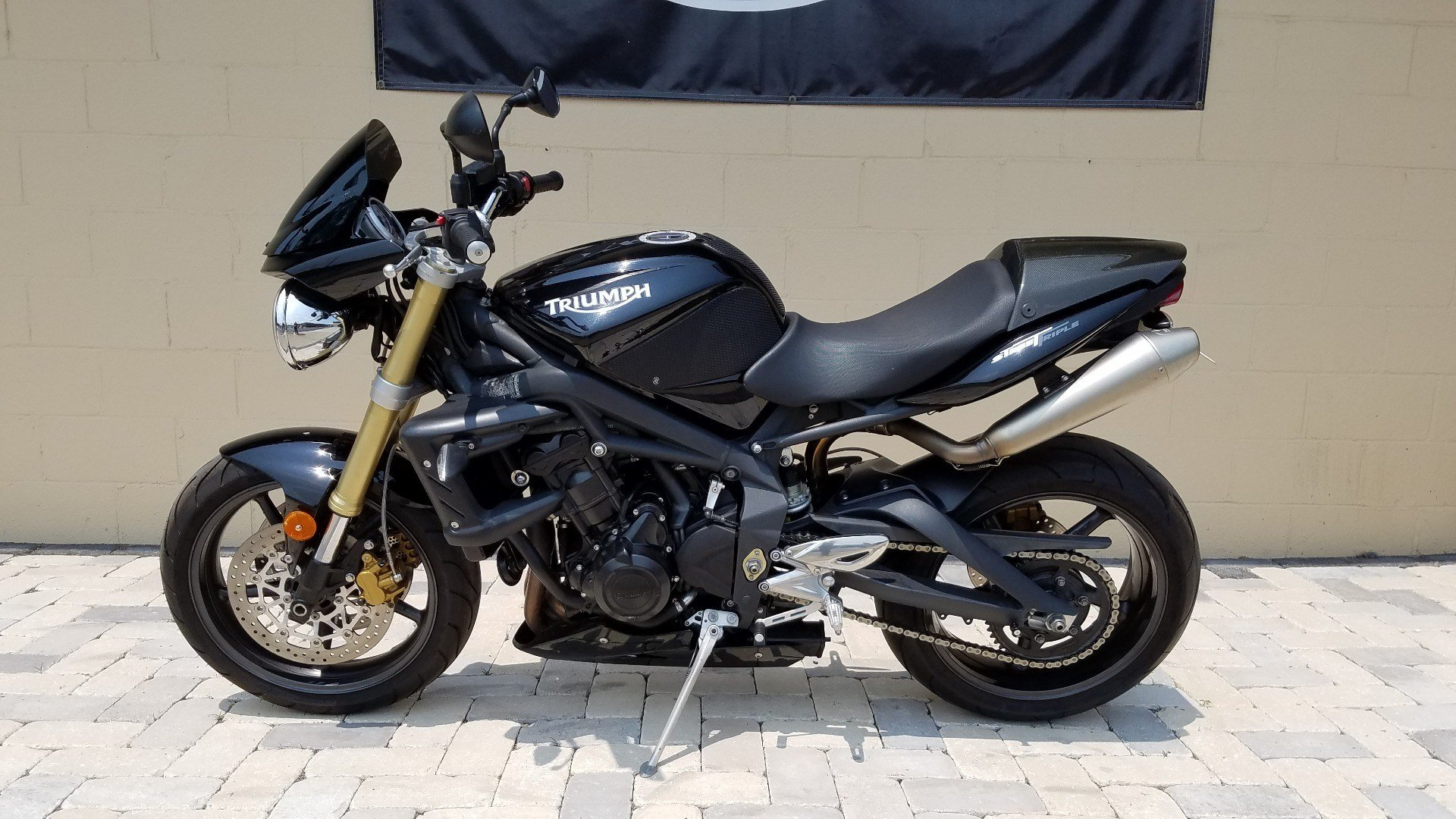 2010 Triumph Street Triple in Shelby Township, Michigan