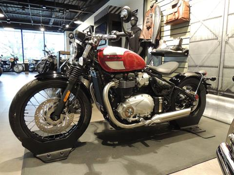 2019 Triumph Bonneville Bobber in Shelby Township, Michigan - Photo 2