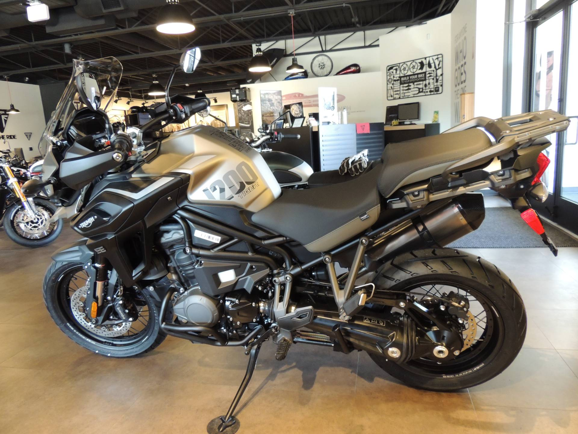 2020 Triumph Tiger 1200 Desert Edition in Shelby Township, Michigan - Photo 3