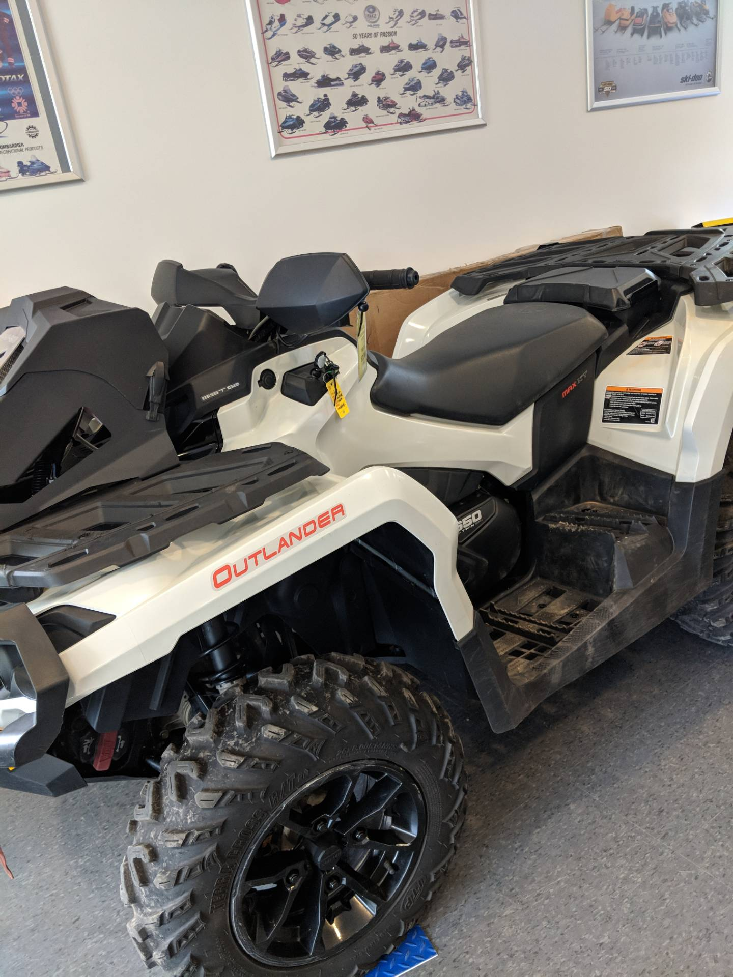 2017 Can-Am Outlander MAX XT 650 in Phoenix, New York