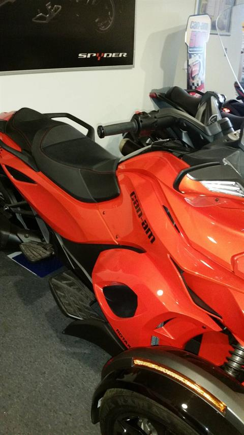 2016 Can-Am Spyder ST-S in Phoenix, New York