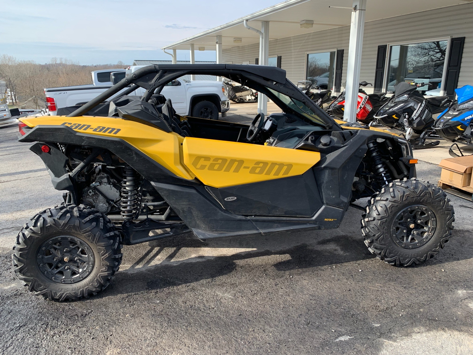 2017 Can-Am™ Maverick X3 X ds Turbo R 7