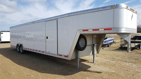 2005 Featherlite Trailers Gooseneck Enclosed 4940 in Russell, Kansas