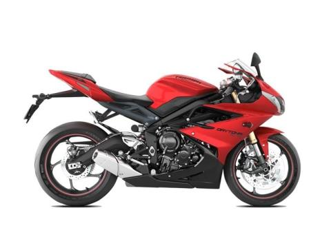 2015 Triumph Daytona 675 ABS in Medford, Massachusetts