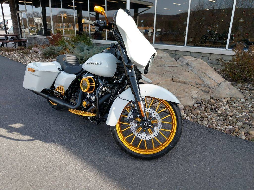 2020 Harley-Davidson Street Glide® Special in Duncansville, Pennsylvania - Photo 2