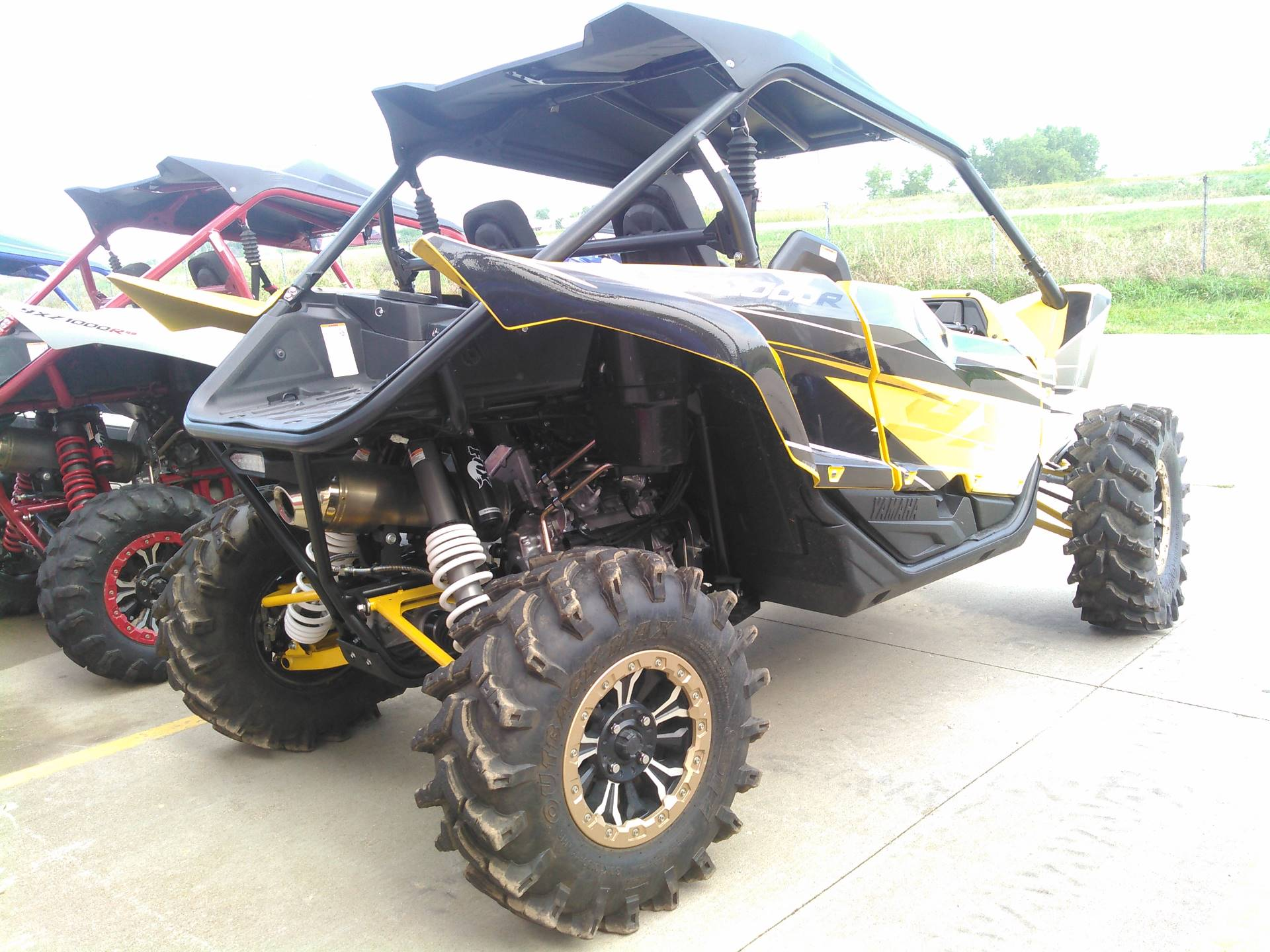 2016 Yamaha YXZ1000R SE in Johnson Creek, Wisconsin - Photo 3