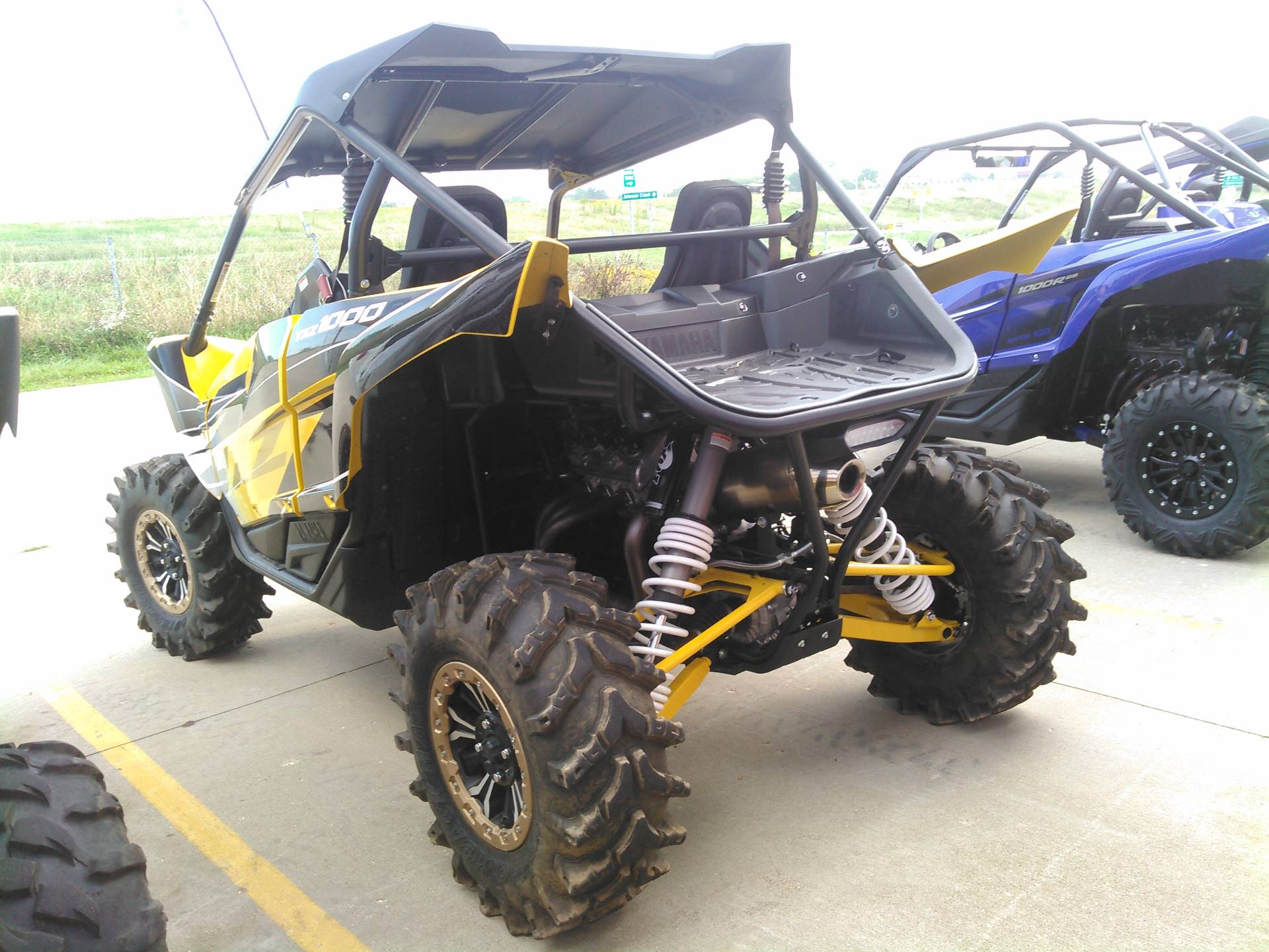 2016 Yamaha YXZ1000R SE in Johnson Creek, Wisconsin - Photo 4