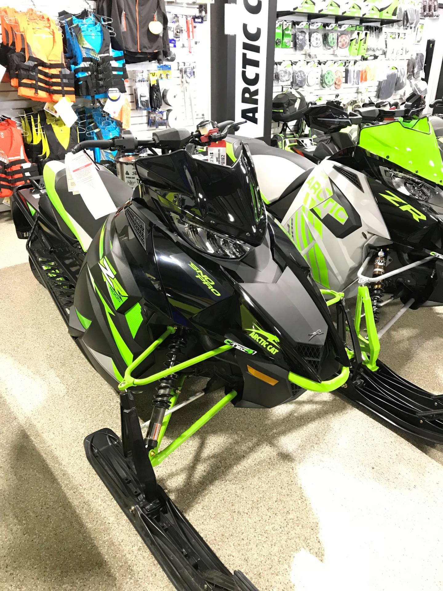 2018 Arctic Cat ZR 9000 Sno Pro (137) in Roscoe, Illinois