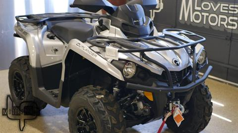 2019 Can-Am Outlander XT 570 in Roscoe, Illinois - Photo 3
