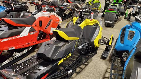 2020 Ski-Doo MXZ TNT 600R E-TEC ES Ripsaw 1.25 in Roscoe, Illinois - Photo 4