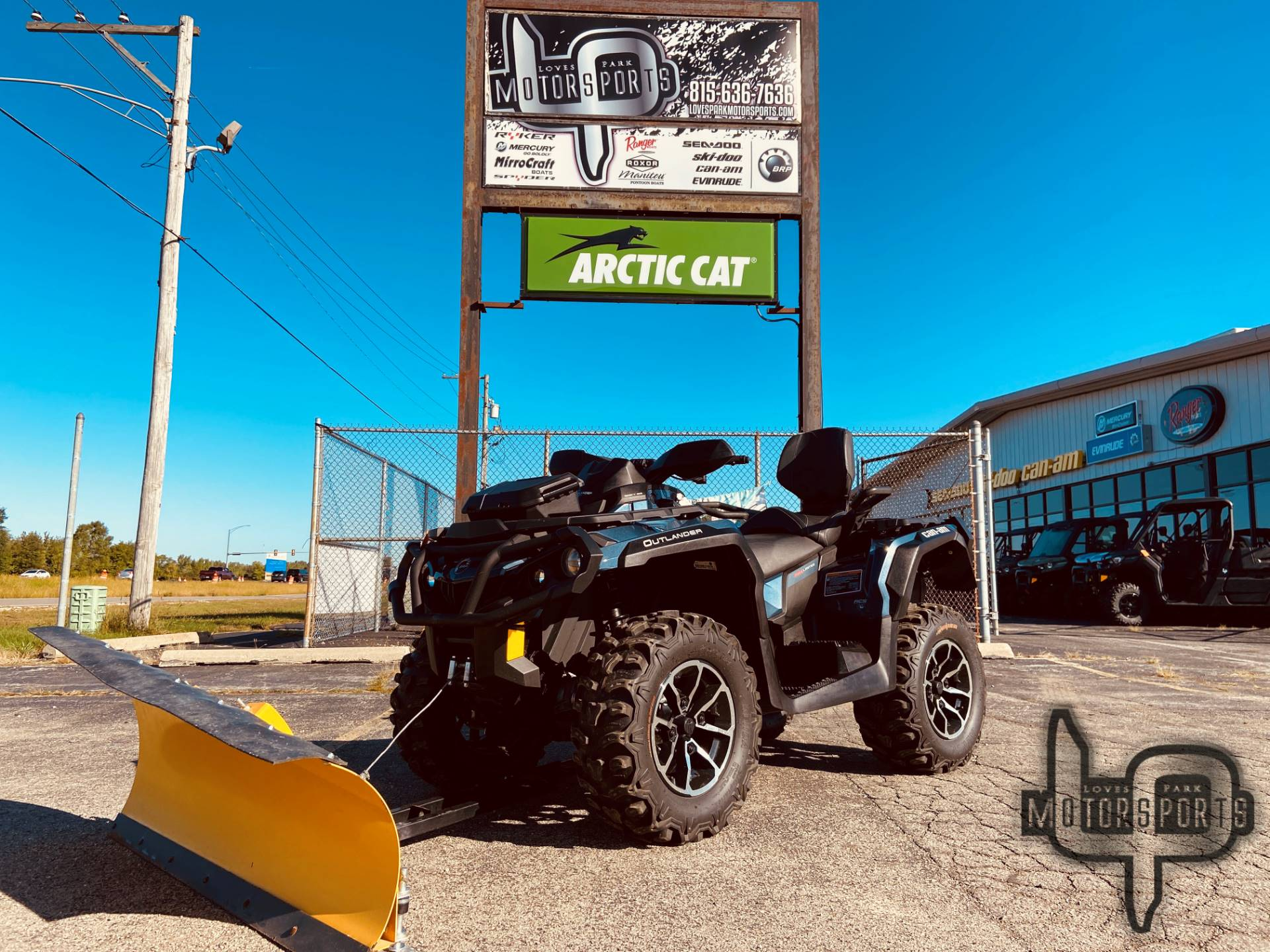 2017 Can-Am Outlander MAX Limited 1000 in Roscoe, Illinois - Photo 1