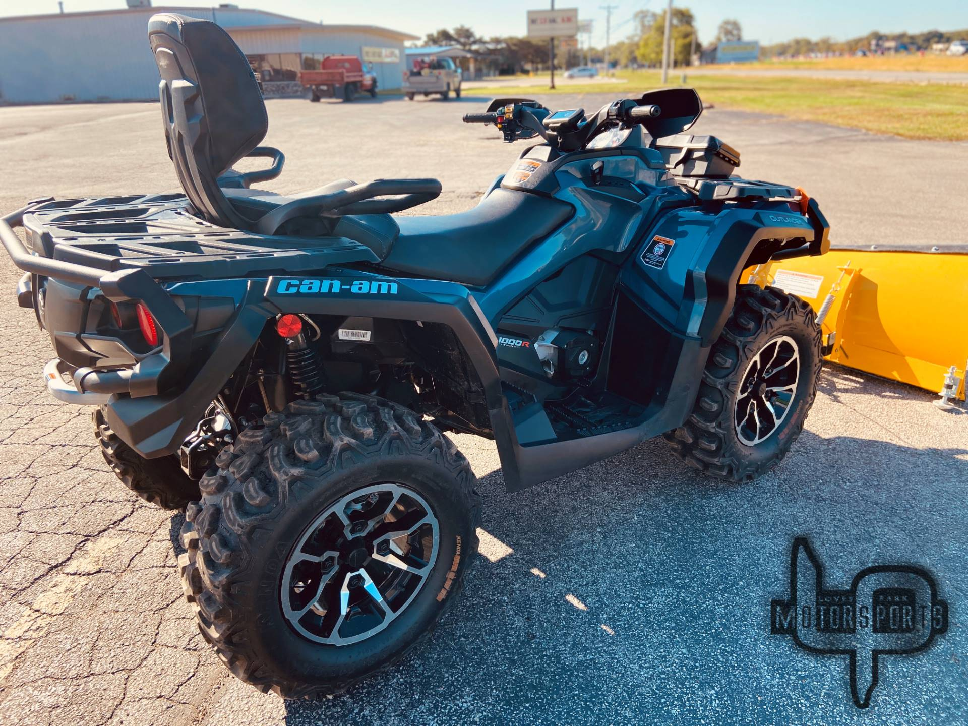 2017 Can-Am Outlander MAX Limited 1000 in Roscoe, Illinois - Photo 6
