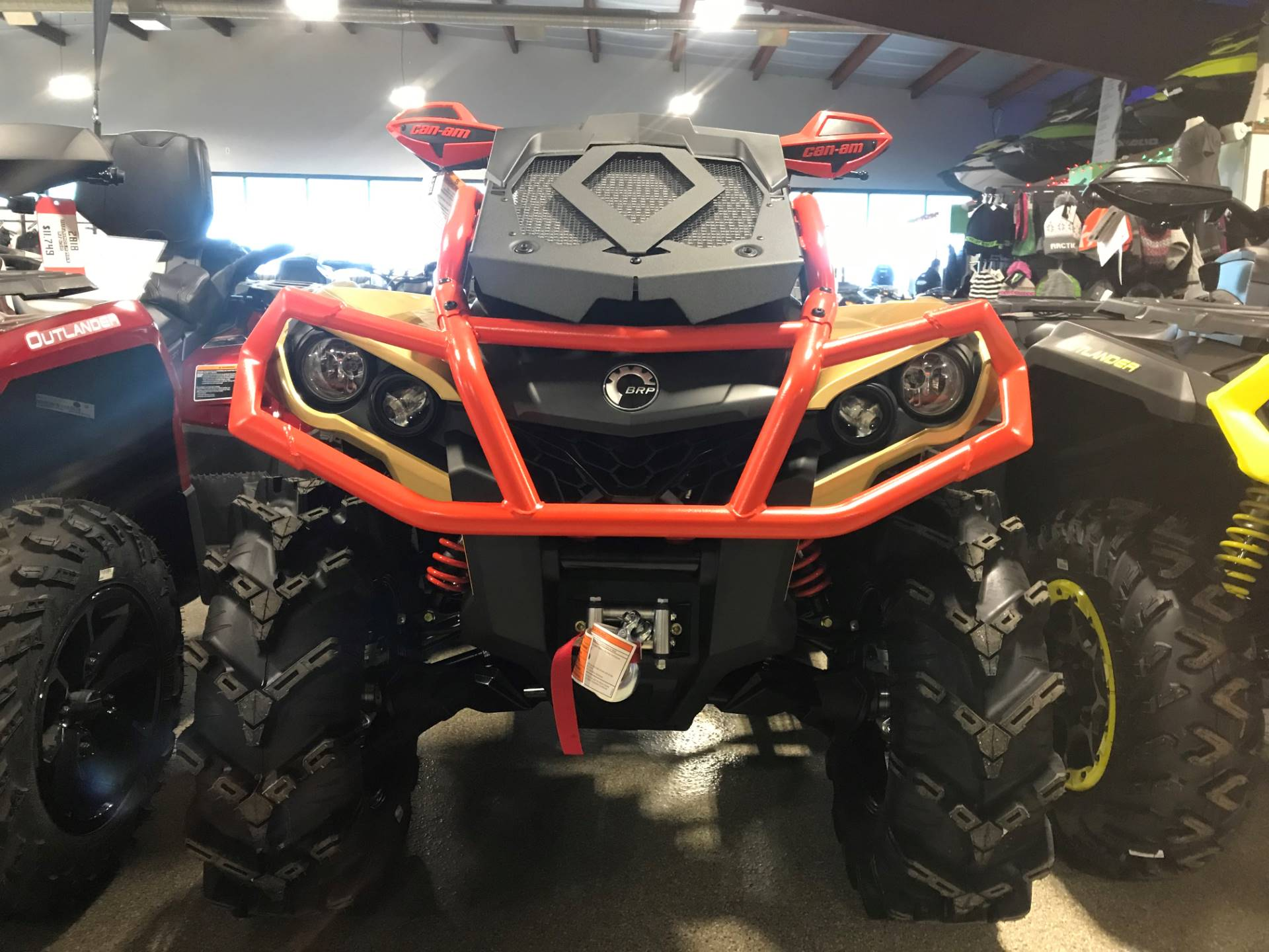 2019 Can-Am Outlander X mr 1000R in Roscoe, Illinois