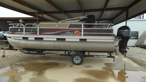 2013 Sun Tracker Fishin' Barge 22 DLX in Eastland, Texas