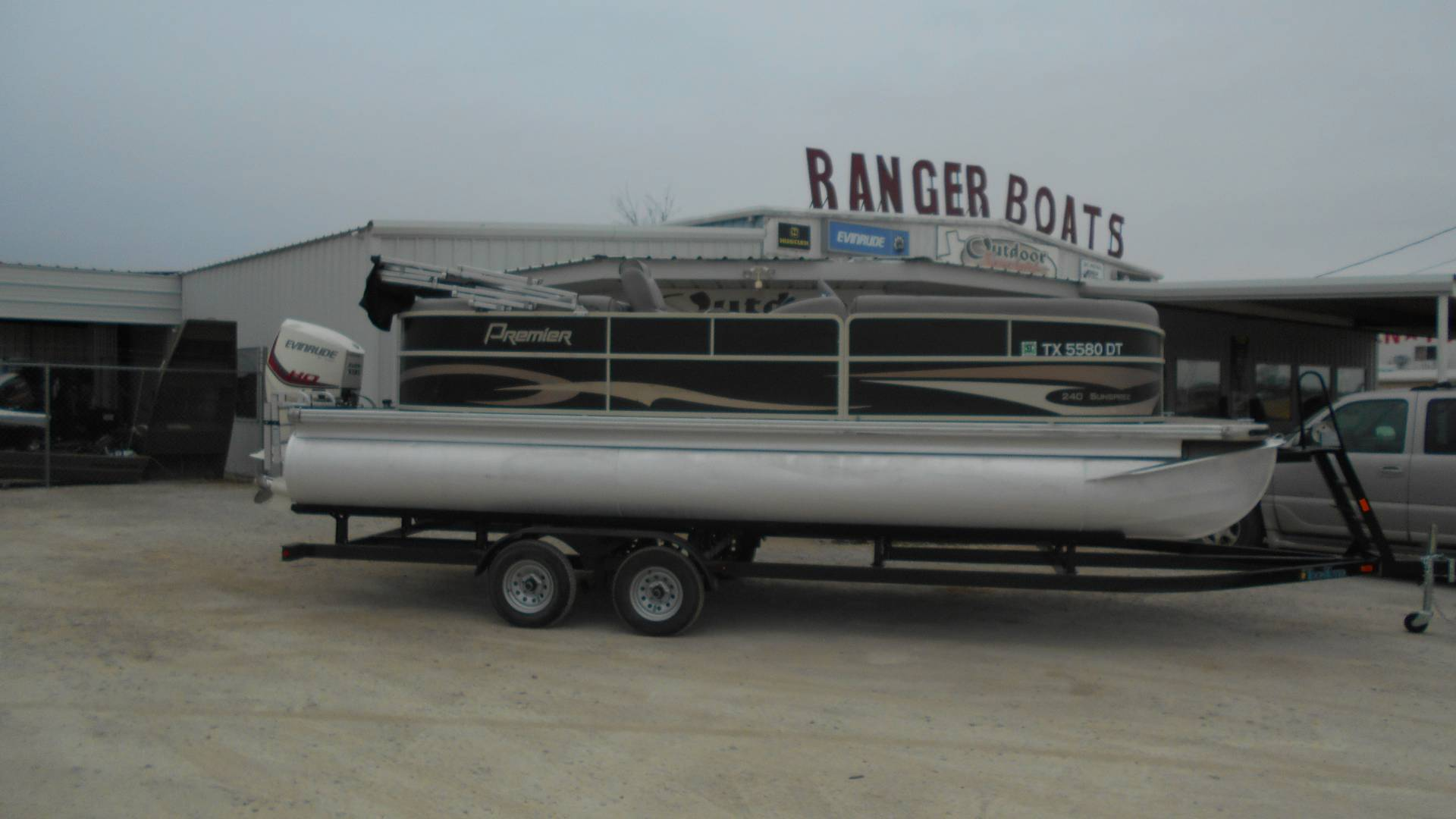 2015 Premier 240 SunSpree RF in Eastland, Texas - Photo 1