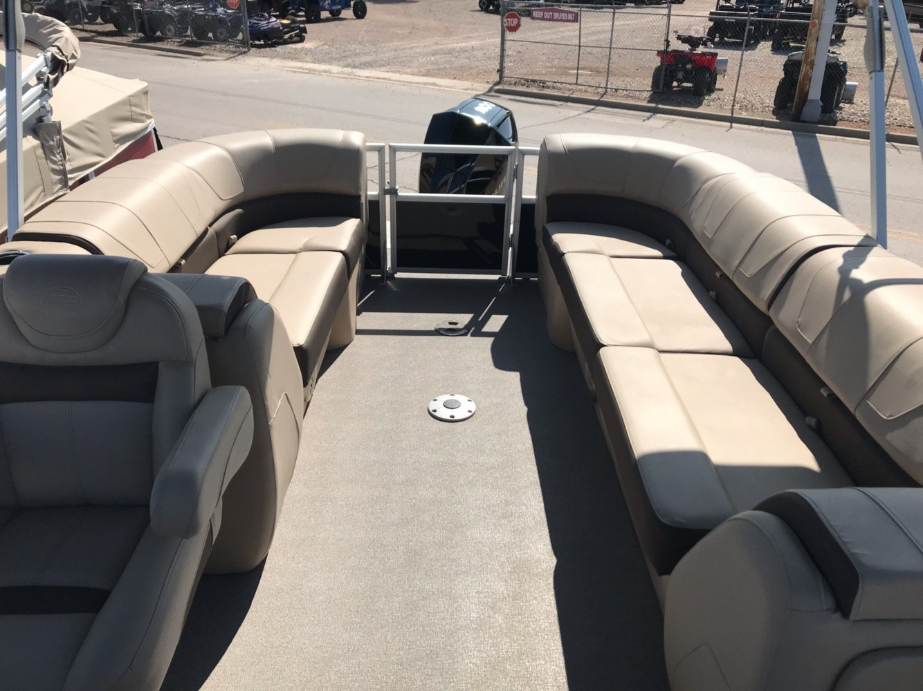 2018 Sun Tracker Party Barge 24 XP3 in Rapid City, South Dakota - Photo 4