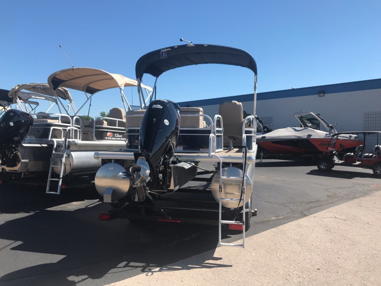 2019 Sun Tracker Party Barge 20 DLX in Rapid City, South Dakota - Photo 4