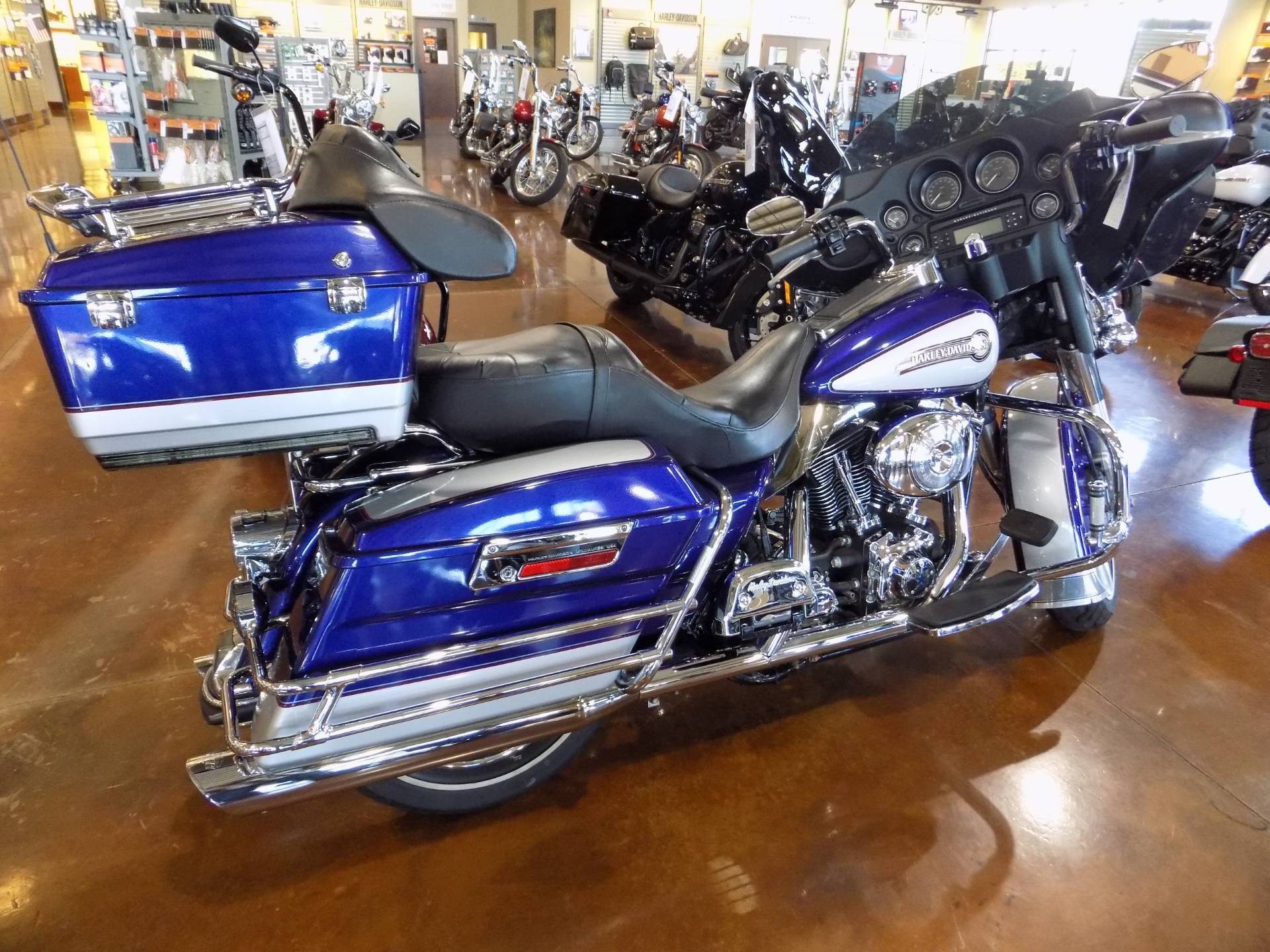 2006 Harley-Davidson ELECTRA GLIDE CLASSIC in Winchester, Virginia - Photo 2