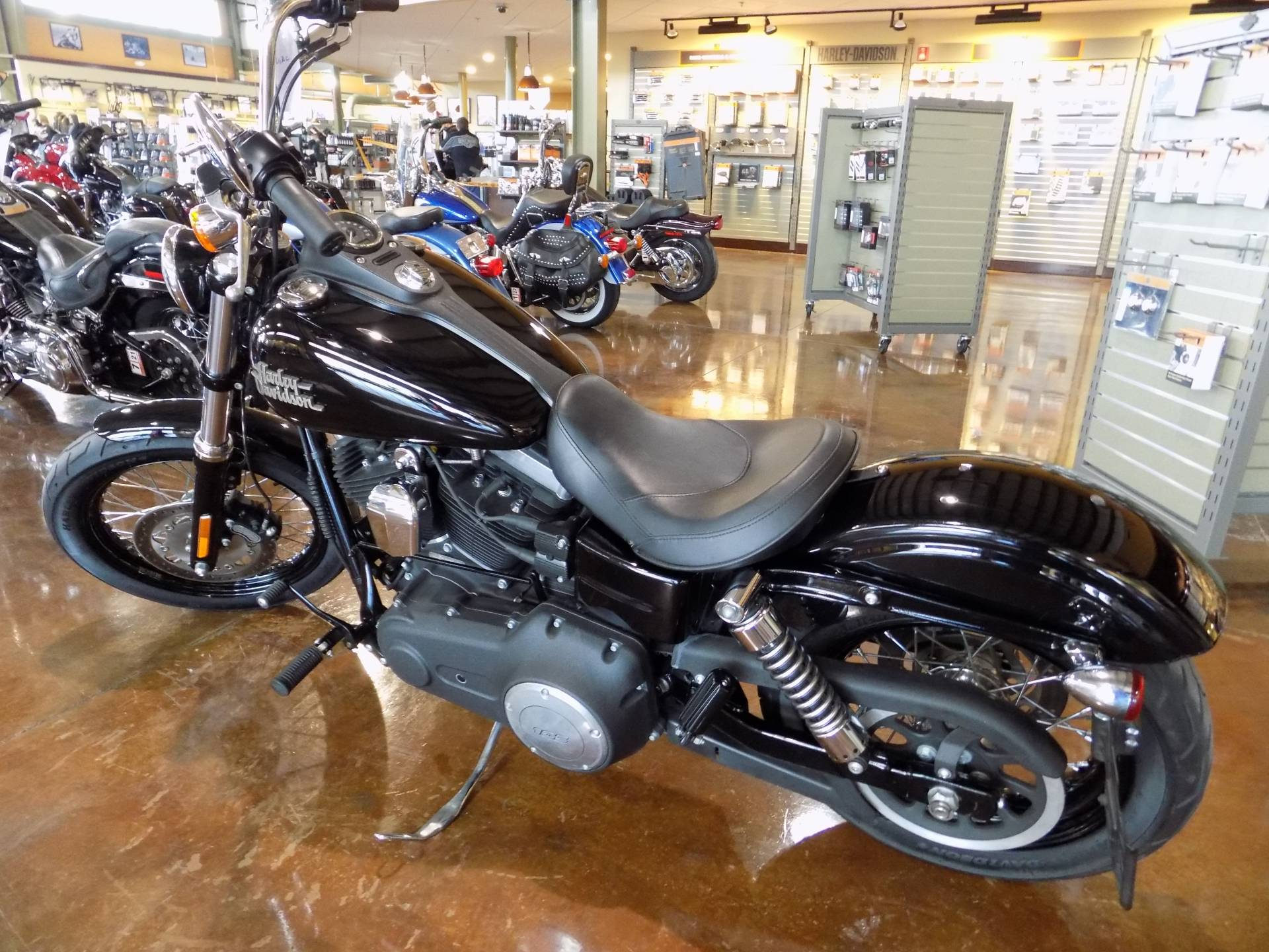 2015 Harley-Davidson STREET BOB in Winchester, Virginia - Photo 3