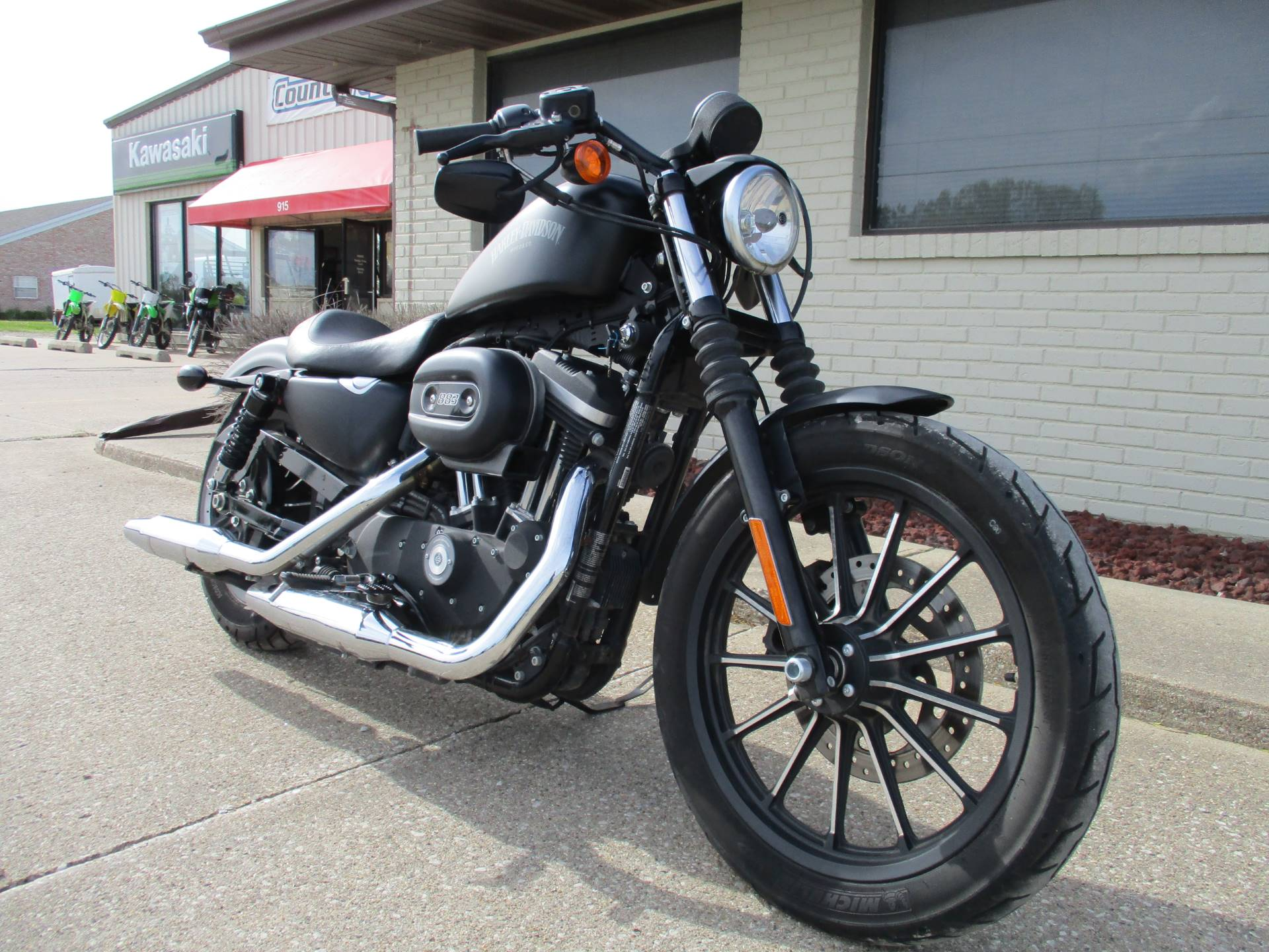 2015 Harley-Davidson Iron 883™ in Winterset, Iowa - Photo 3