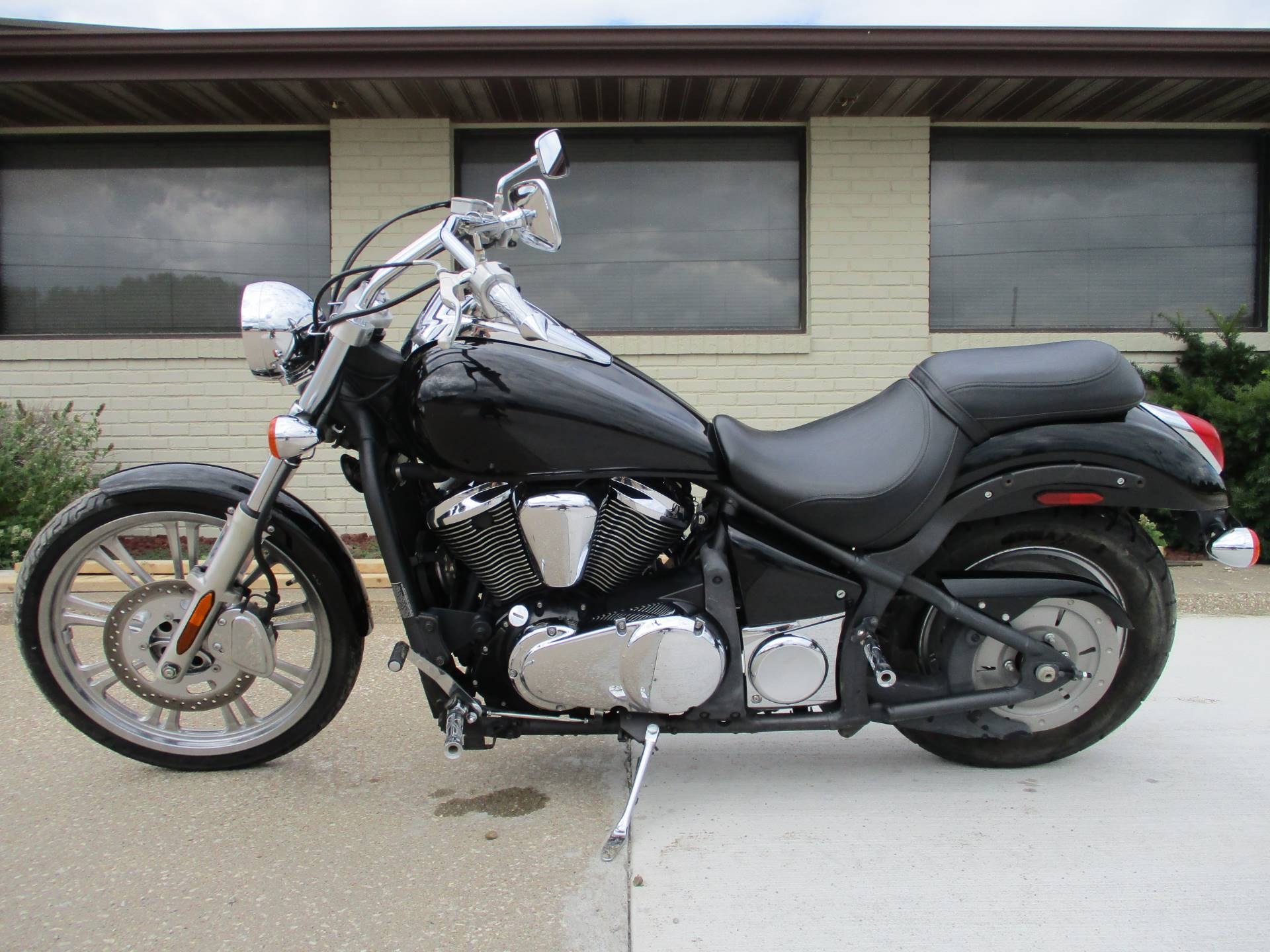 2008 Kawasaki Vulcan® 900 Custom in Winterset, Iowa - Photo 2