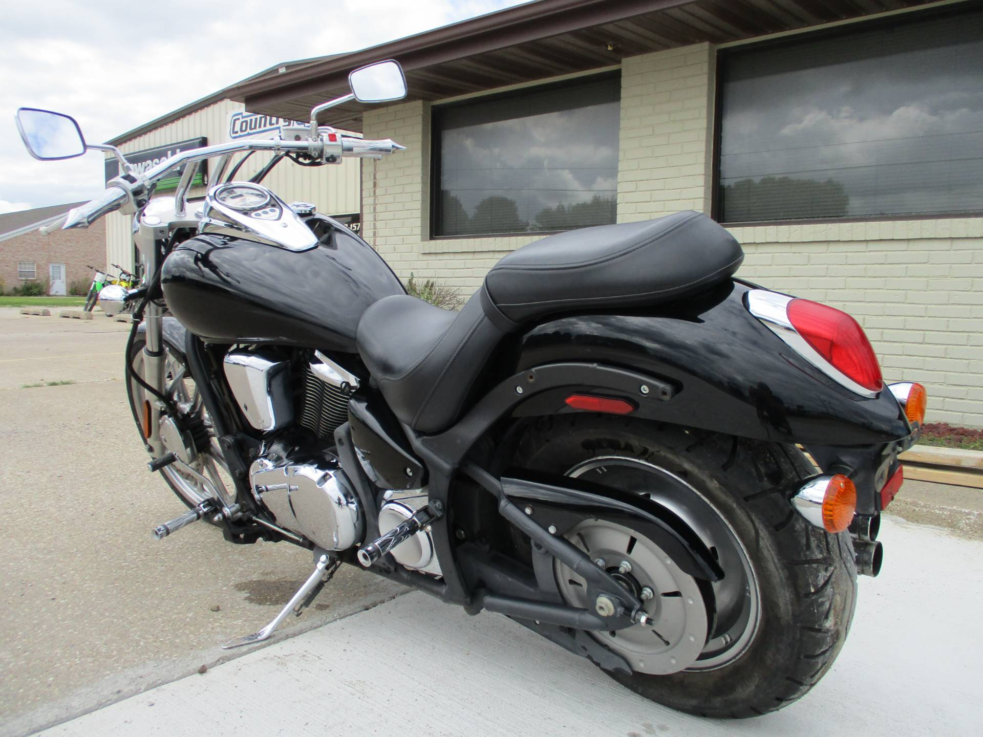 2008 Kawasaki Vulcan® 900 Custom in Winterset, Iowa - Photo 6