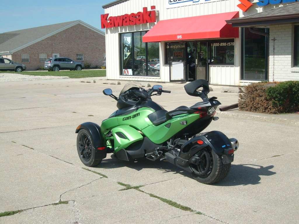 2012 Can-Am Spyder® RS-S SE5 in Winterset, Iowa
