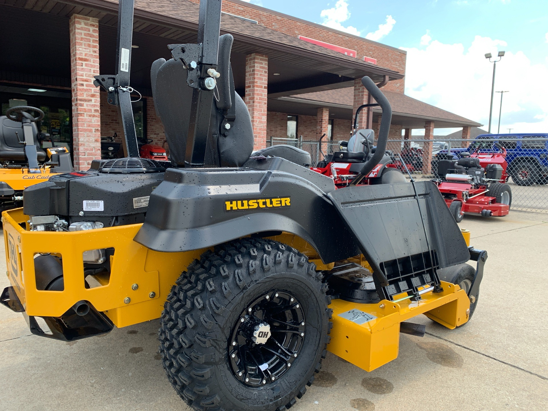 2019 Hustler Turf Equipment FasTrak 60 in. Kawasaki 24 hp in Jackson, Missouri - Photo 5