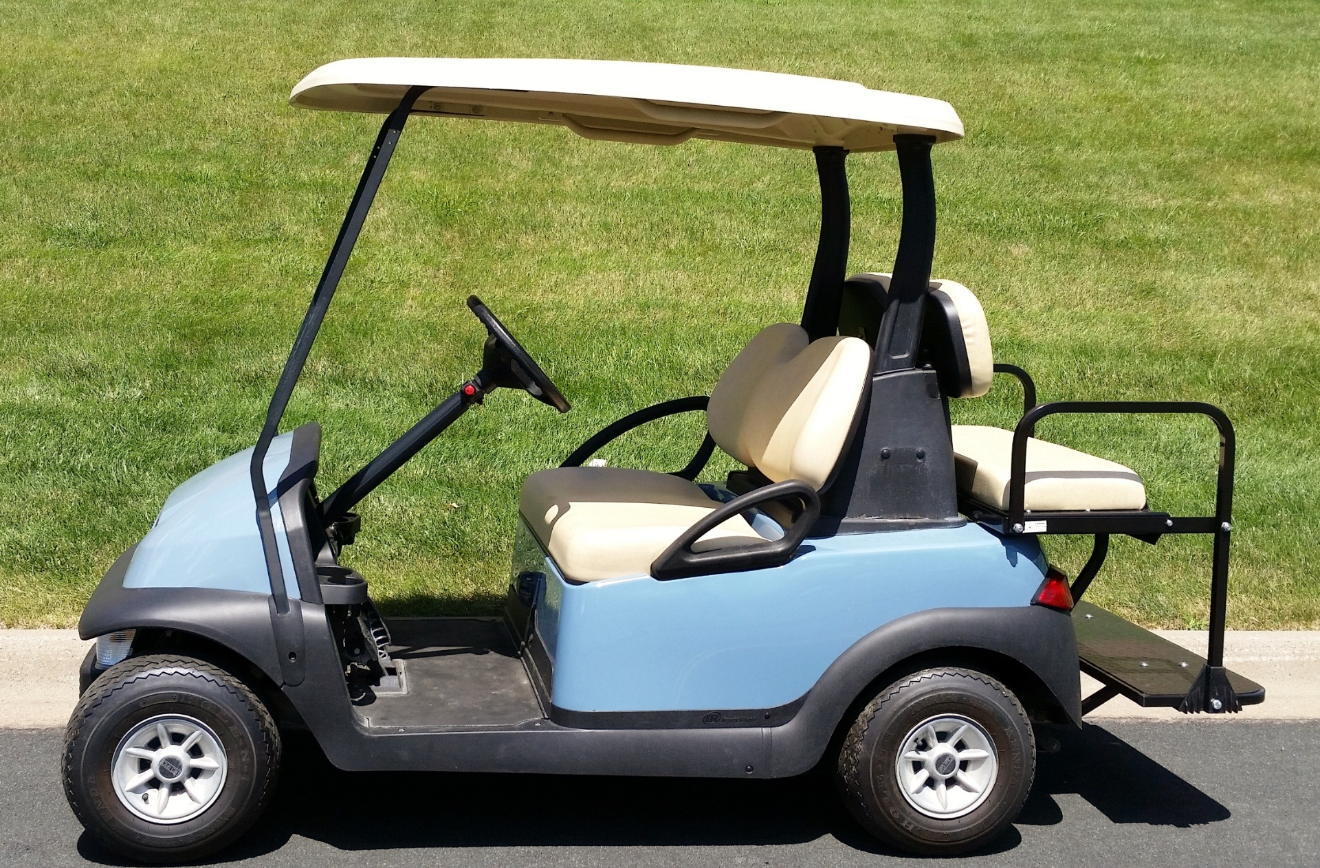 2011 Club Car Precedent in Rogers, Minnesota - Photo 2