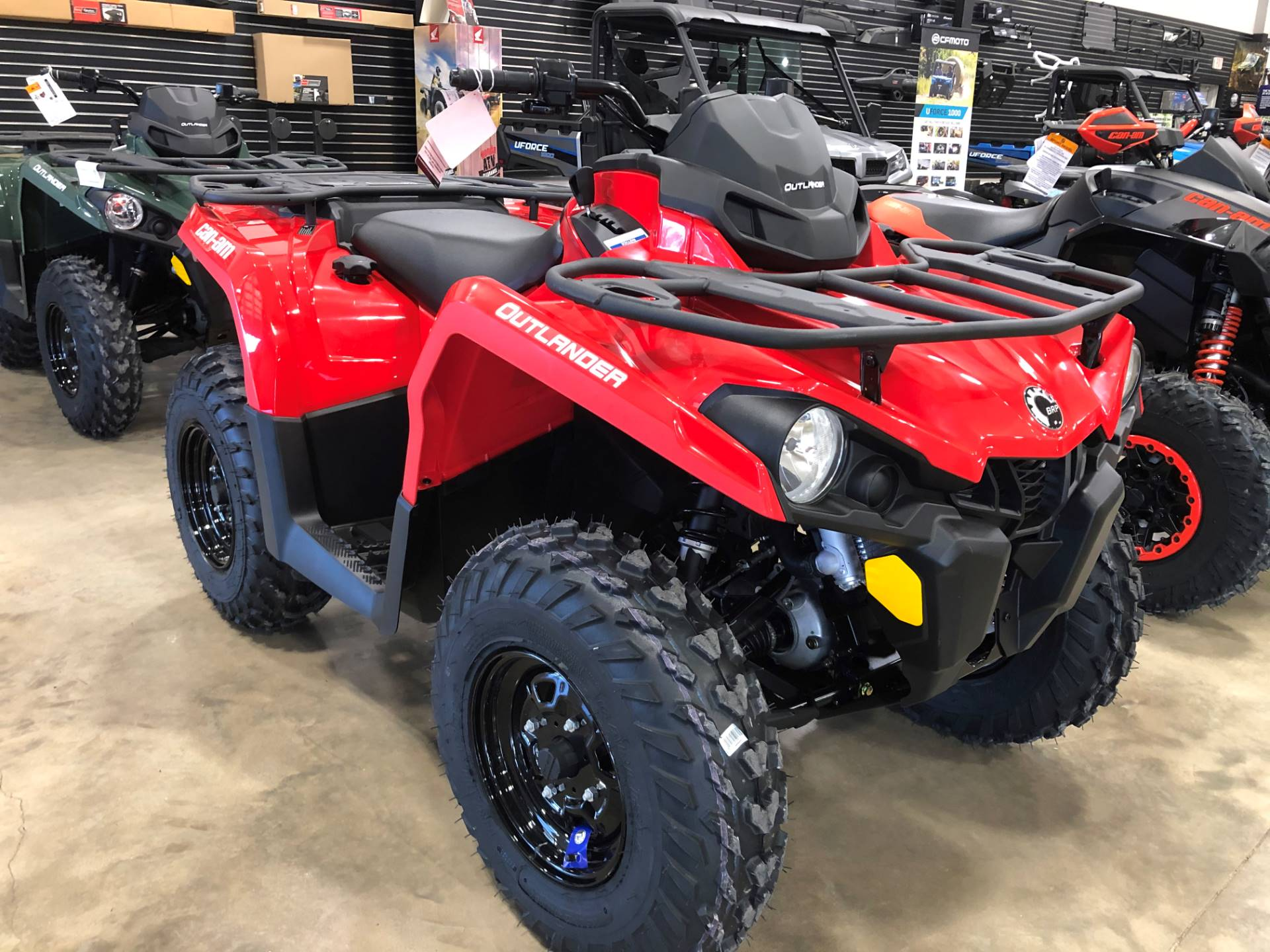 2021 Can-Am Outlander 570 in Leland, Mississippi - Photo 1