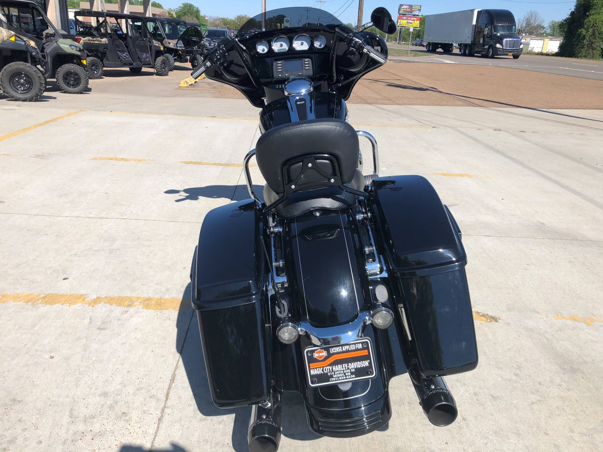 2015 Harley-Davidson Street Glide® in Leland, Mississippi - Photo 4