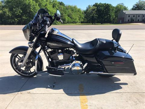 2015 Harley-Davidson Street Glide® in Leland, Mississippi - Photo 2
