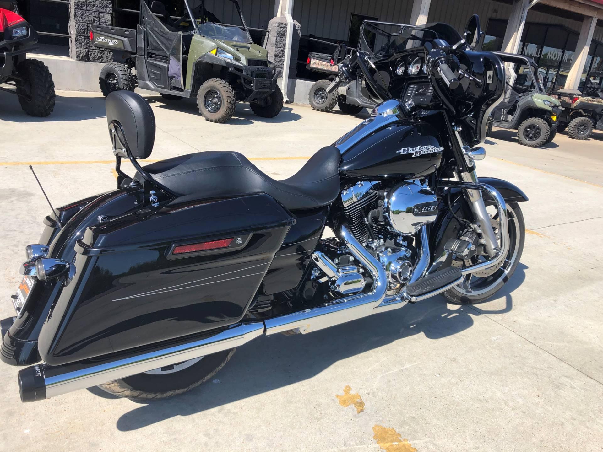 2015 Harley-Davidson Street Glide® in Leland, Mississippi - Photo 9
