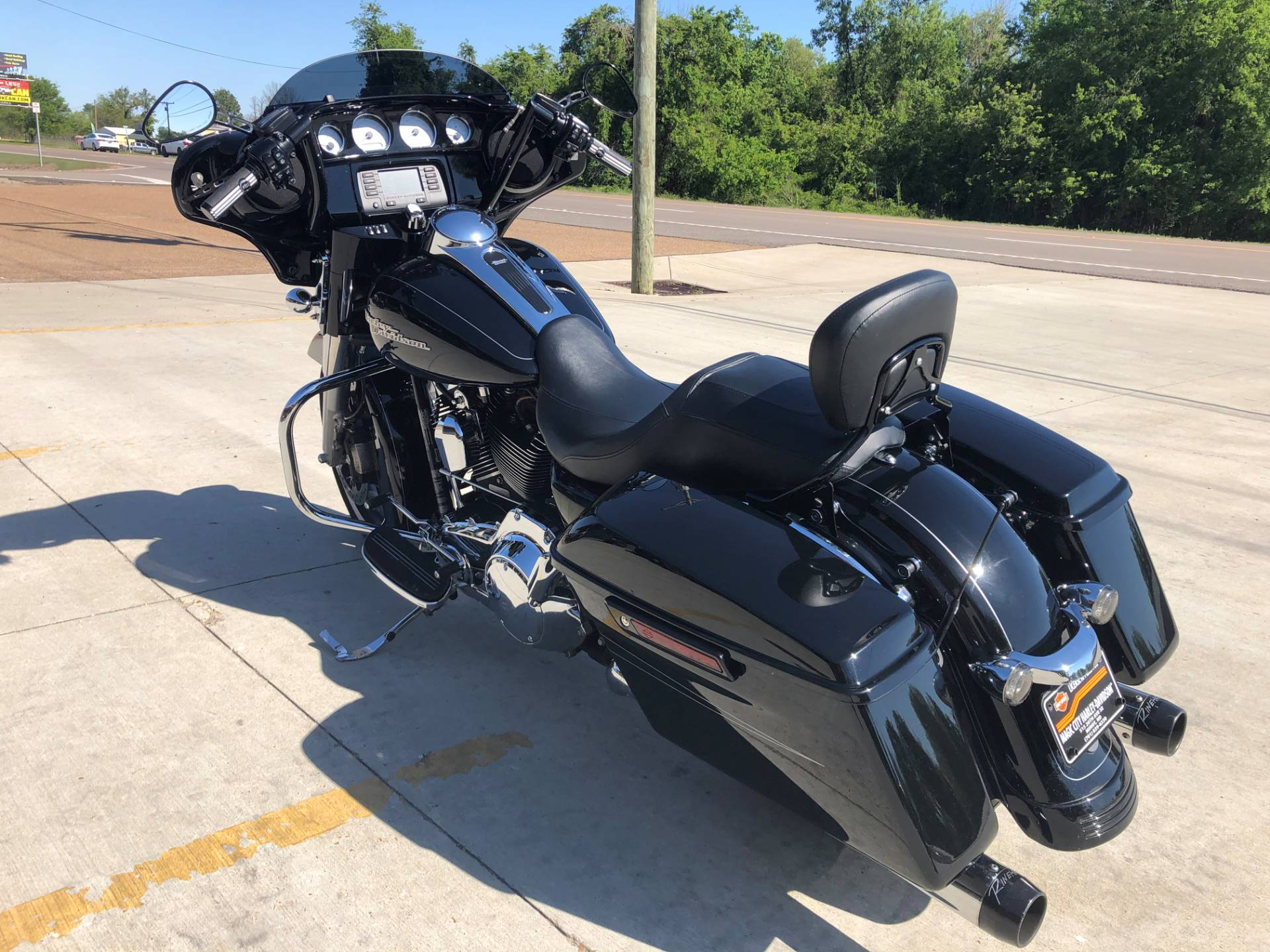2015 Harley-Davidson Street Glide® in Leland, Mississippi - Photo 3
