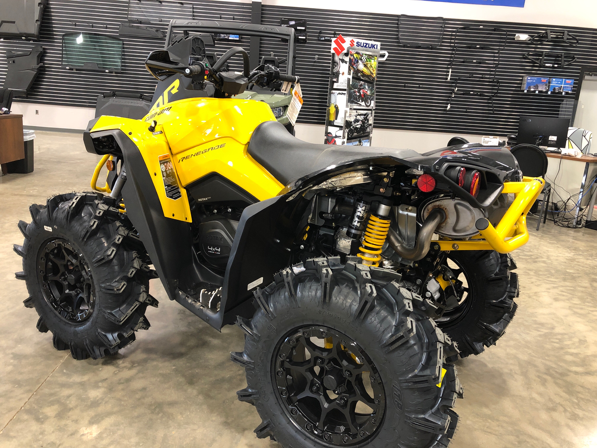 2021 Can-Am Renegade X MR 1000R with Visco-4Lok in Leland, Mississippi - Photo 3