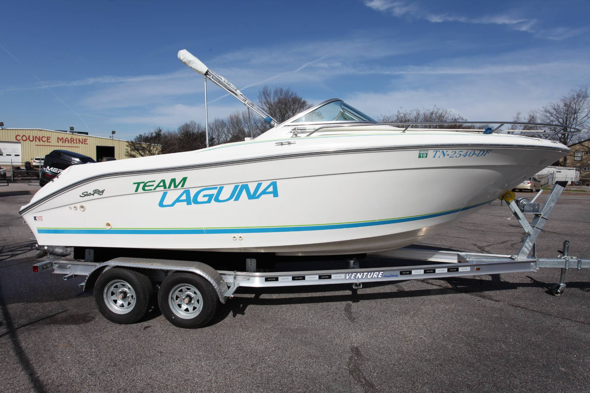 1996 Sea Ray Laguna 21 DC in Memphis, Tennessee