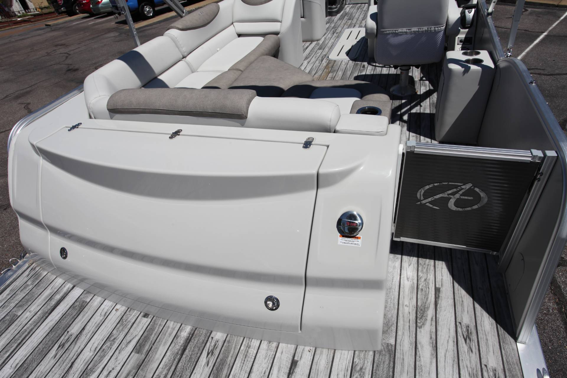 2019 Avalon Catalina Rear J Lounge - 25' in Memphis, Tennessee - Photo 16