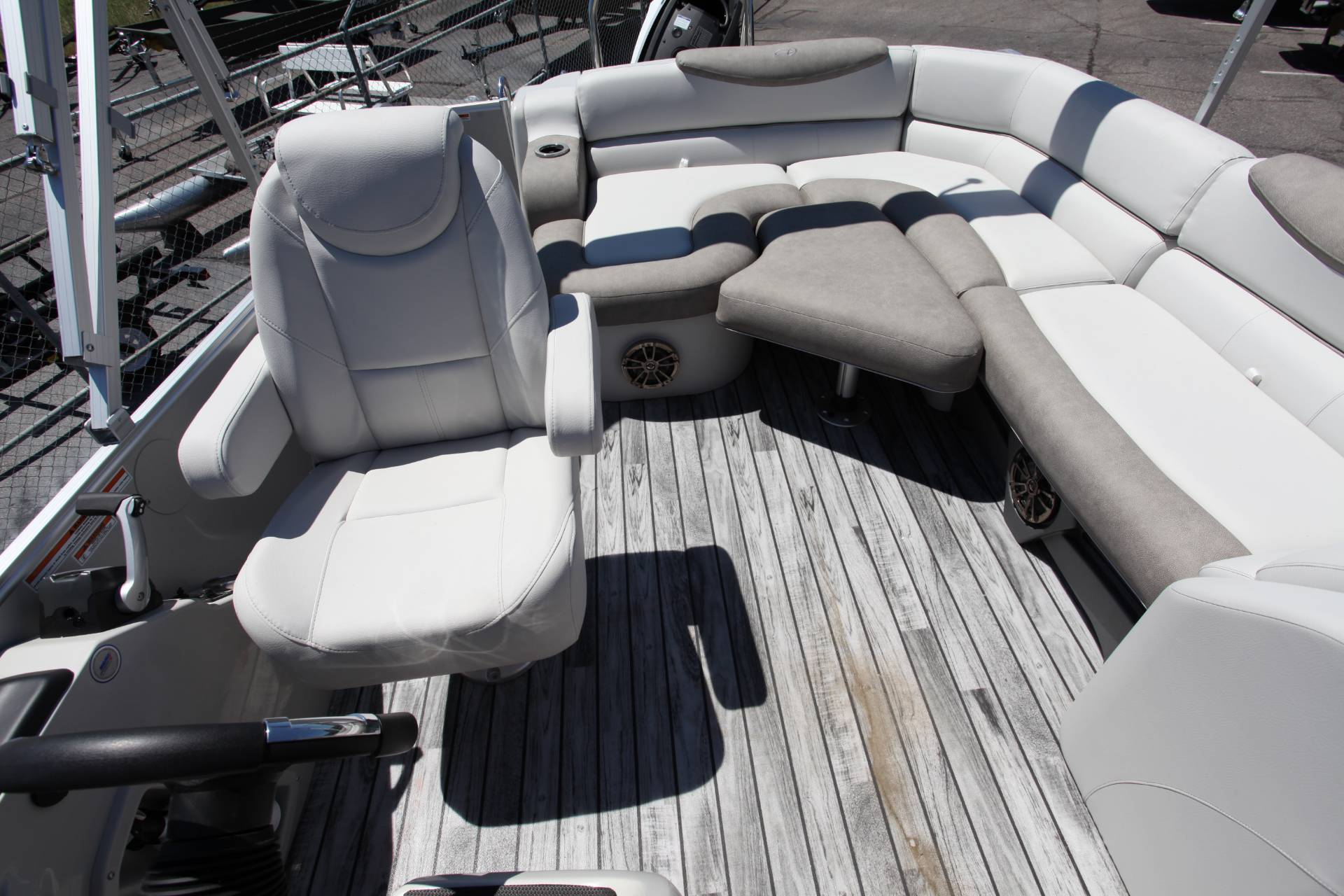 2019 Avalon Catalina Rear J Lounge - 25' in Memphis, Tennessee - Photo 20