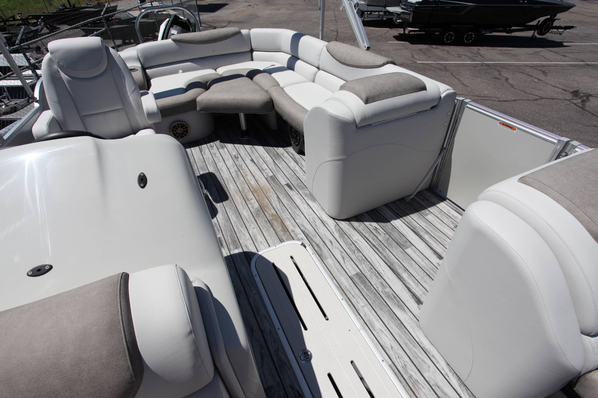 2019 Avalon Catalina Rear J Lounge - 25' in Memphis, Tennessee - Photo 21
