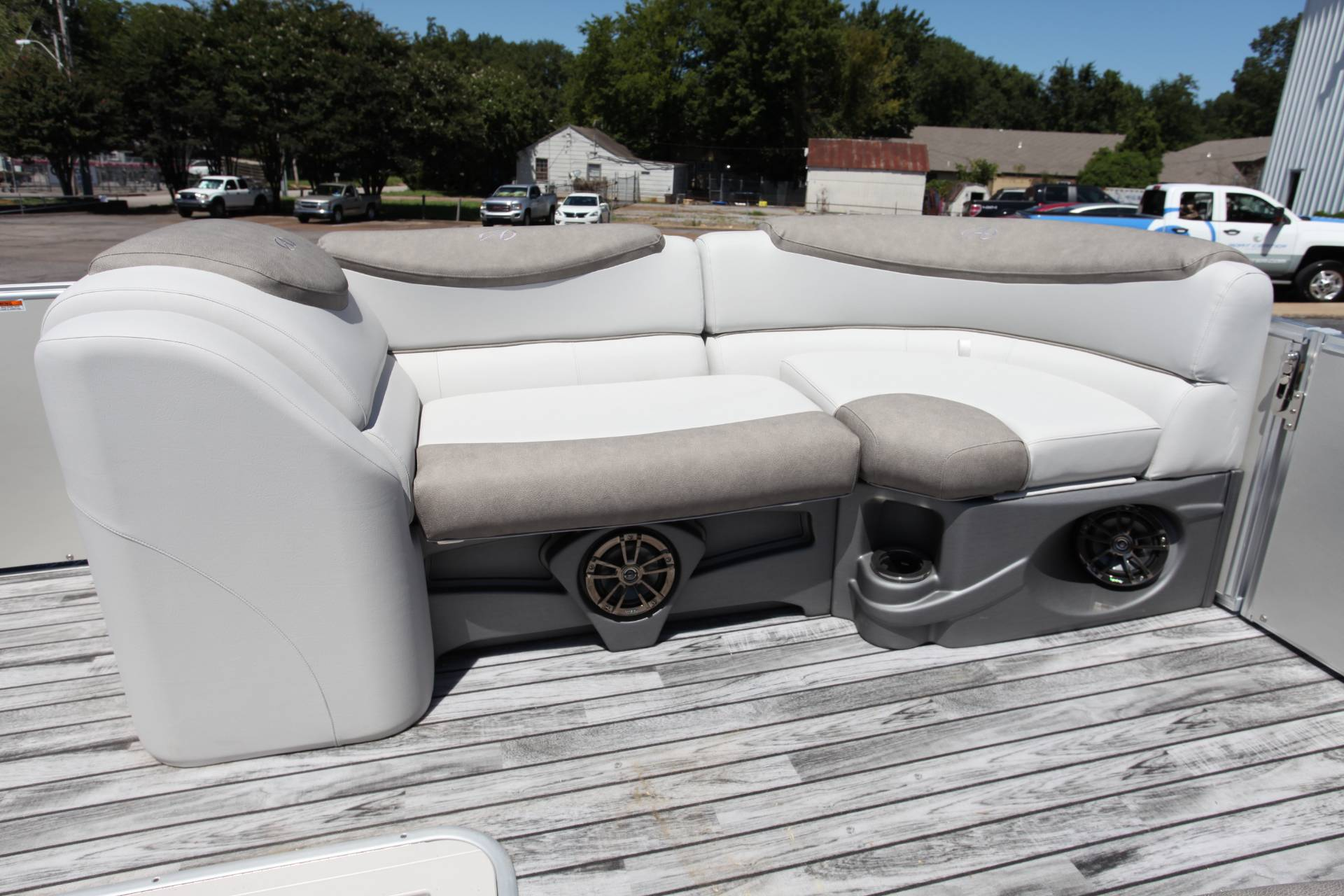 2019 Avalon Catalina Rear J Lounge - 25' in Memphis, Tennessee - Photo 22