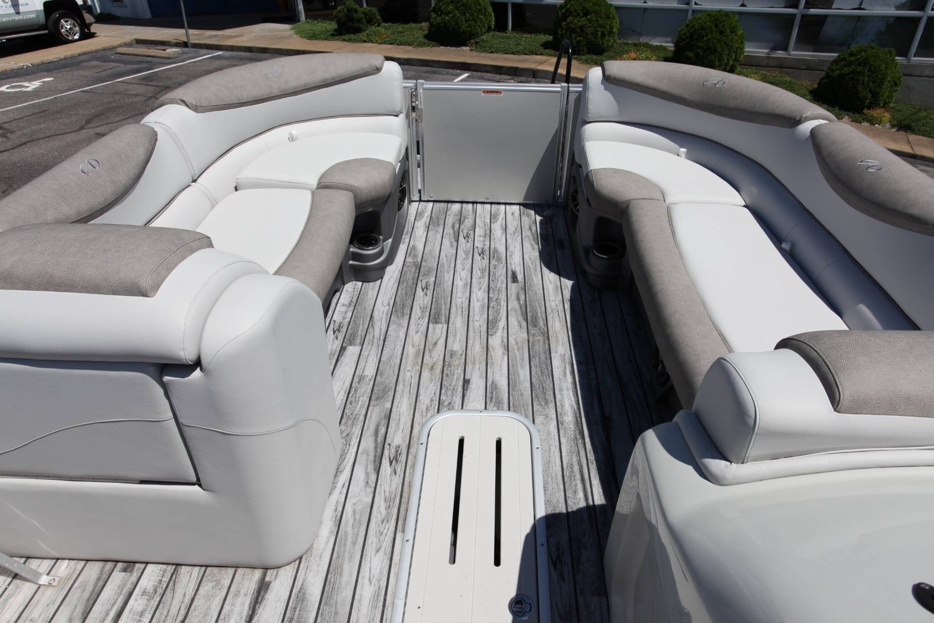 2019 Avalon Catalina Rear J Lounge - 25' in Memphis, Tennessee - Photo 24