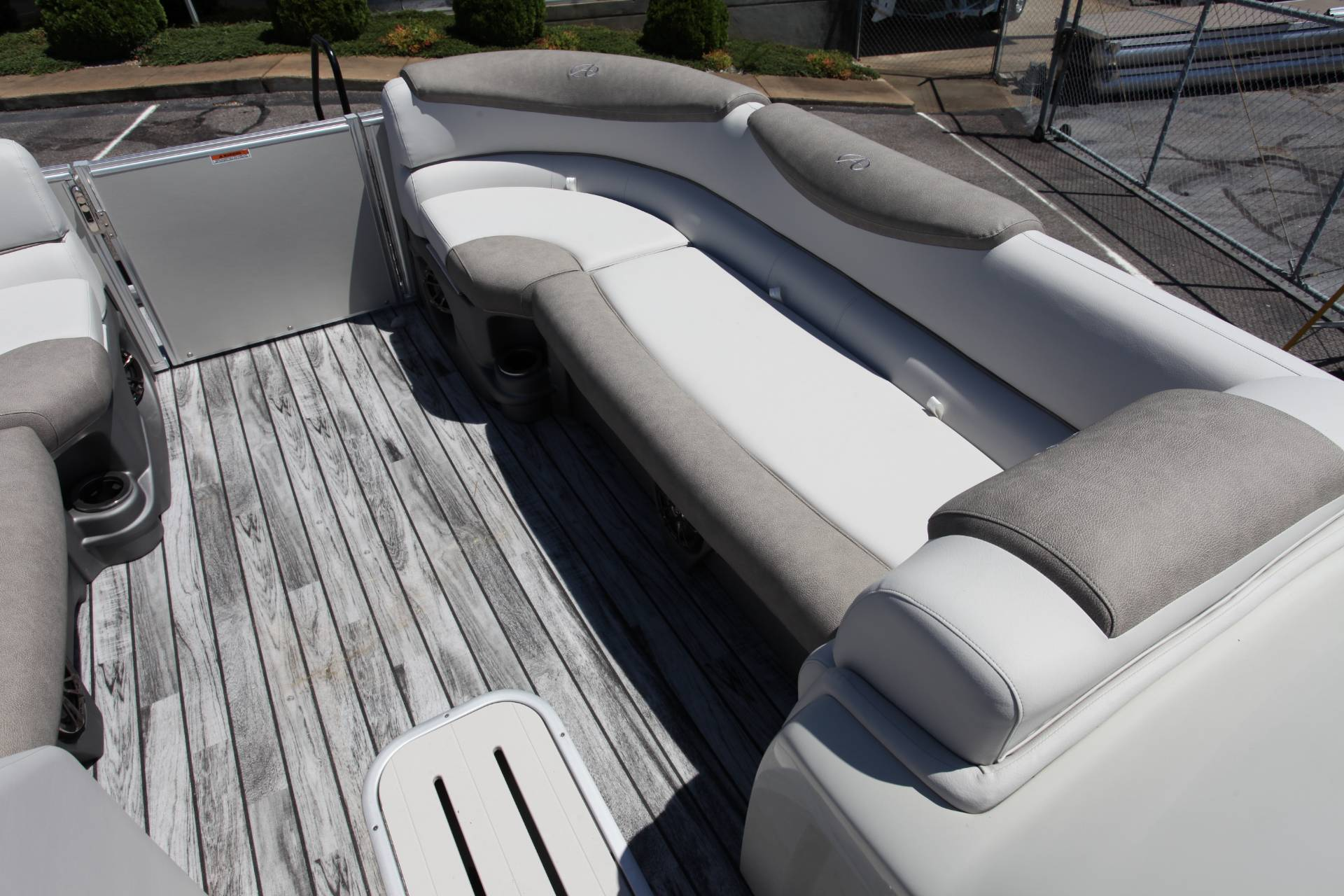 2019 Avalon Catalina Rear J Lounge - 25' in Memphis, Tennessee - Photo 25
