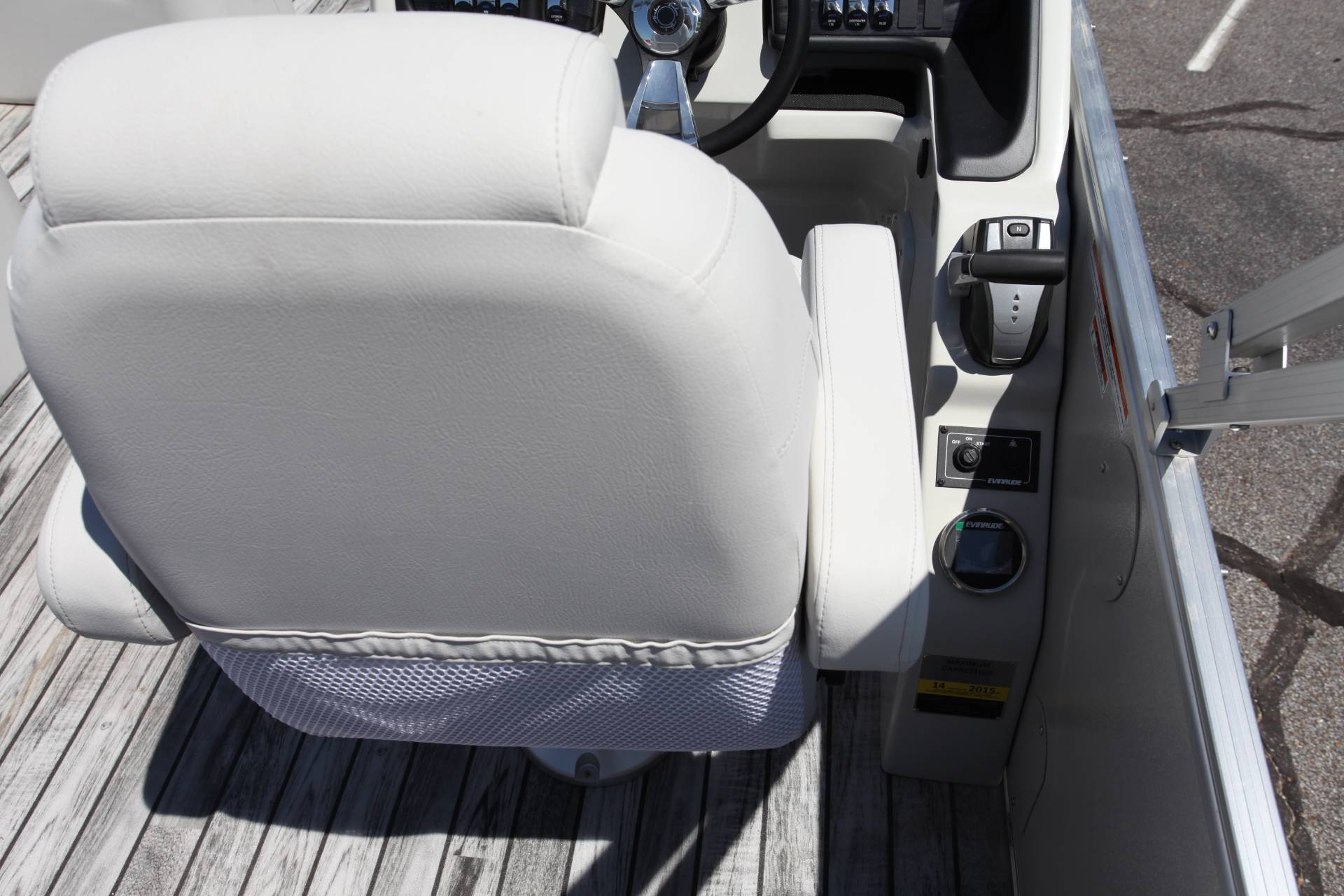 2019 Avalon Catalina Rear J Lounge - 25' in Memphis, Tennessee - Photo 30